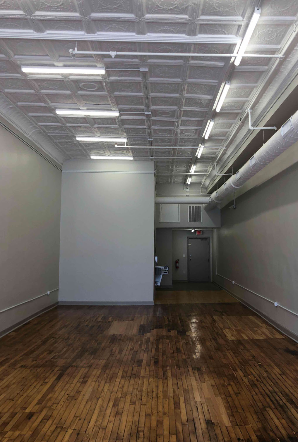 gallery photo : 822 W Broad Street
